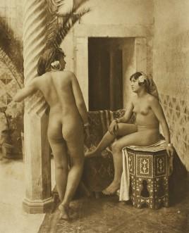 Lehnert_et_Landrock_-_Amis_sur_la_terrasse_Tunis_vers_1906_zpsrm1cmapp