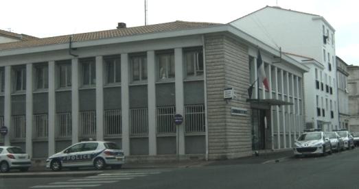 Commissariat_de_Police_de_Rochefort_zpsdm6y5zuf.JPG
