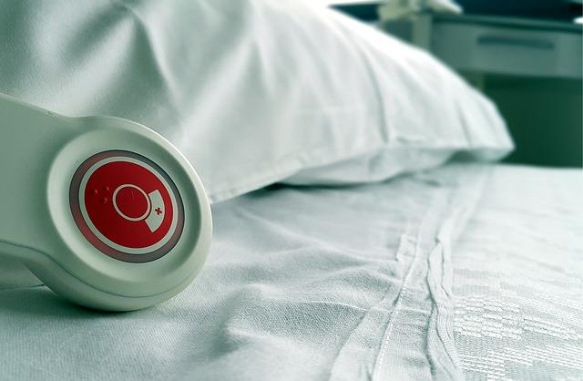 hospital-736568_640_zpsza56chx0.JPG