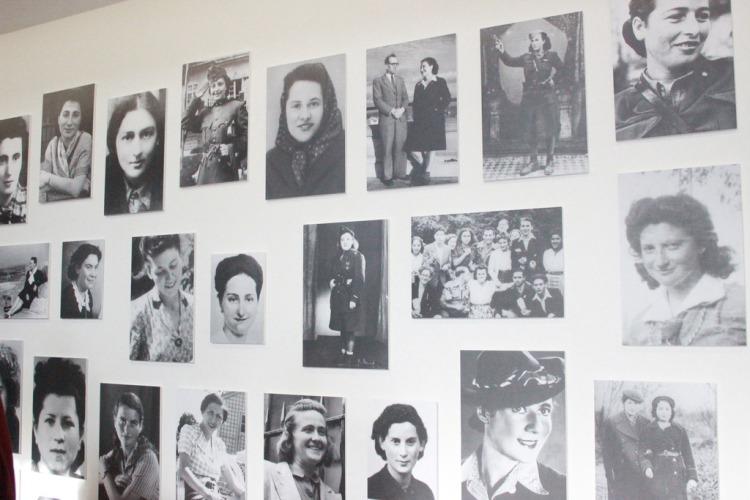 photo 3 femmes juives en reacutesistance_zpssdd7vnnh.JPG